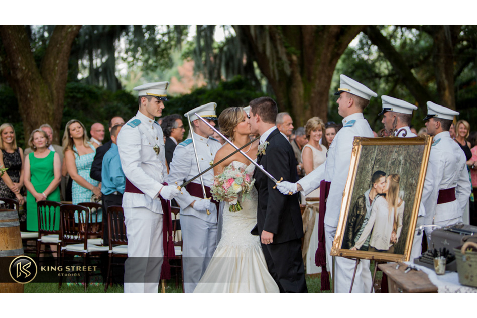 wedding pictures of charleston weddings at legare waring house - charles towne landing - ps by charleston wedding photographers king street studios