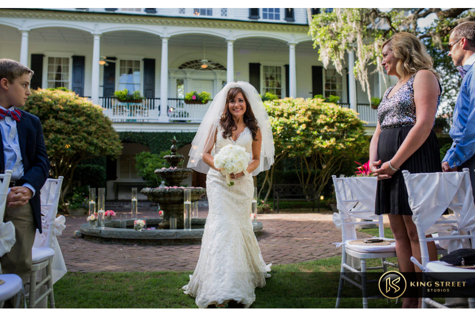 wedding picures of charleston weddings at thomas bennett house - tf by charleston wedding photographers king street studios