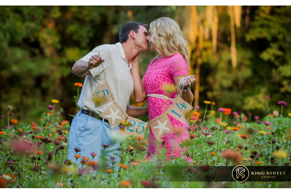 charleston engagement pictures and engagement photography by charleston wedding photographers king street studios