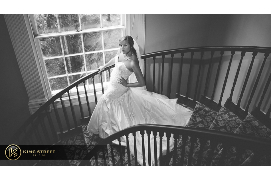 charleston bridal portraits by charleston wedding photographers paizley king street studios