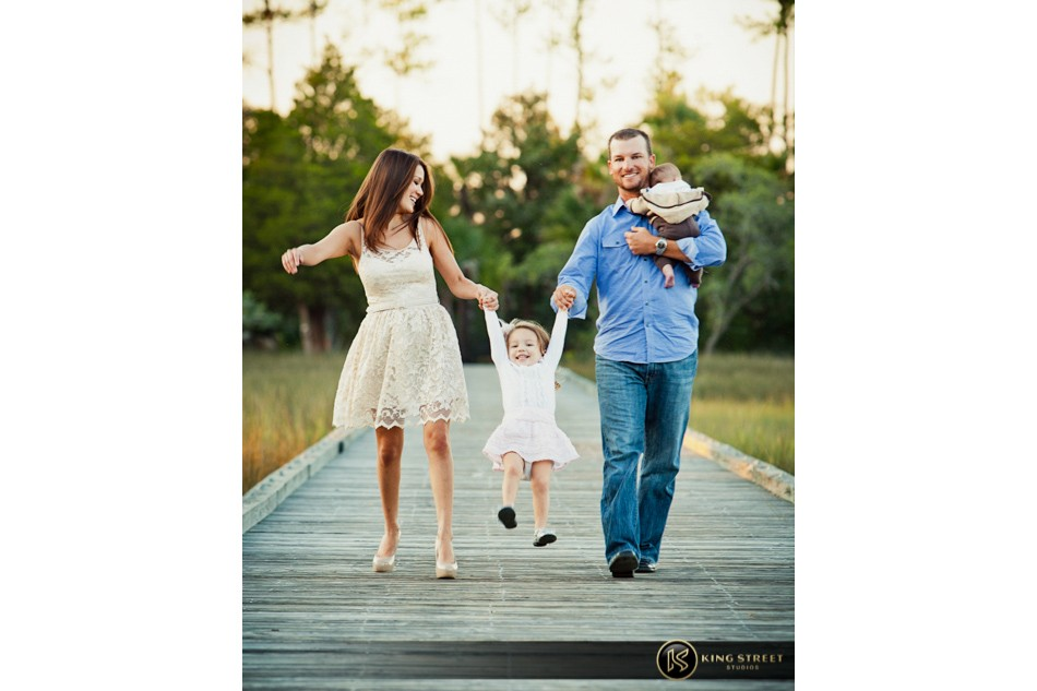 family pictures of profesional golfer kyle thompson by charleston family portrait photographers king street studios (6)