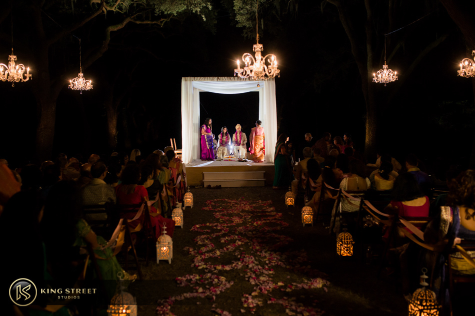 indian wedding pictures, wedding photos, and wedding photography from charleston weddings at legare waring house by charleston wedding photographers king street studios