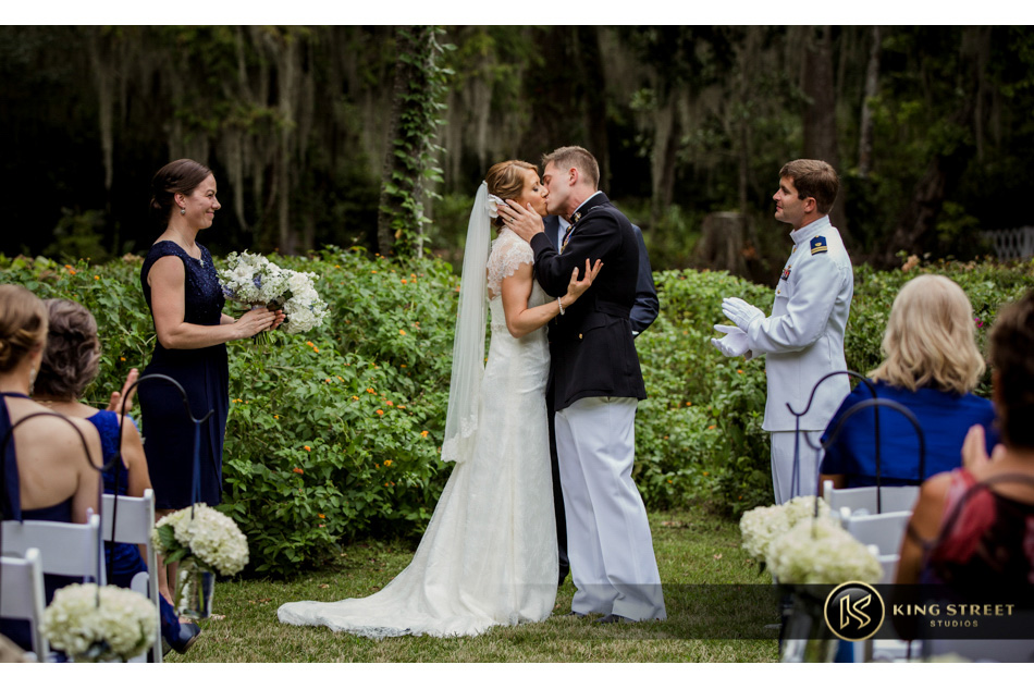 wedding pictures from charleston weddings at magnolia plantation by charleston wedding photographers king street studios
