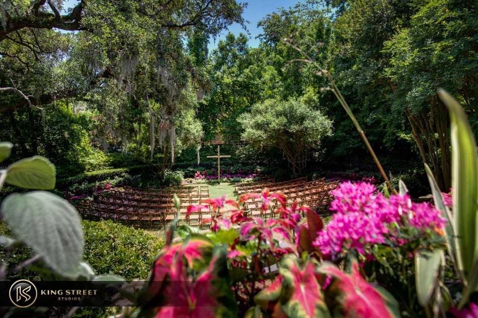 charleston wedding pictures, wedding photos and wedding portraits at the thomas bennett house by charleston wedding photographers – king street studios (13)