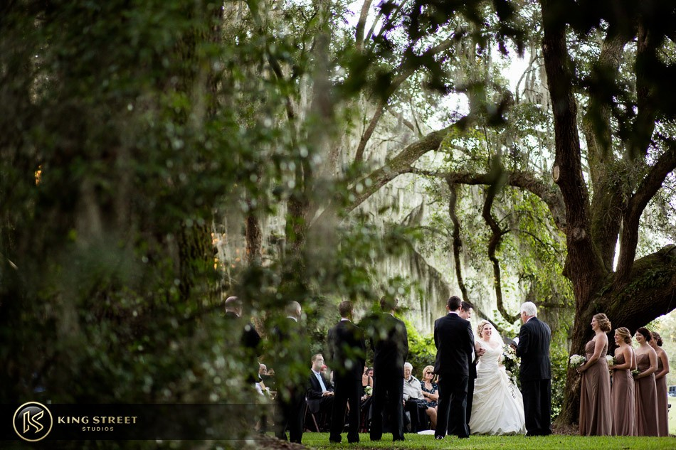 charleston weddings, charleston wedding photography, wedding pictures and wedding photos at legare waring house by charleston wedding photographers king street studios 20