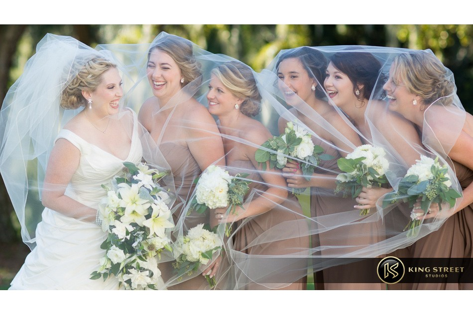charleston weddings, charleston wedding photography, wedding pictures and wedding photos at legare waring house by charleston wedding photographers king street studios 56