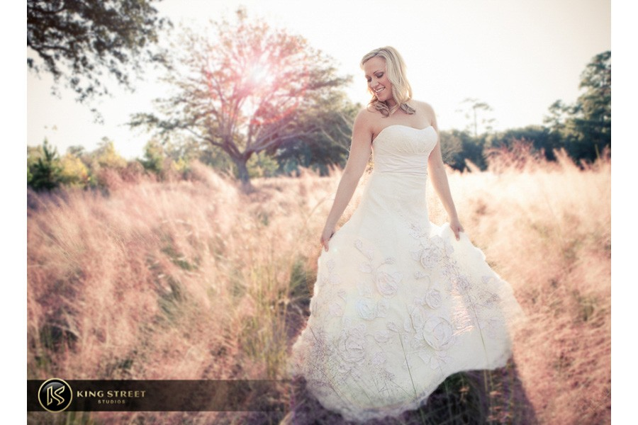bridal pictures by charleston wedding photographers king street studios-11