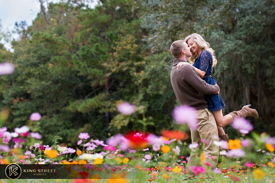 engagement pictures by charleston wedding photographers king street studios  (800)