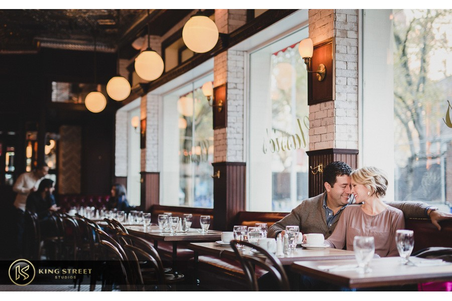 engagement pictures by charleston wedding photographers king street studios (813)