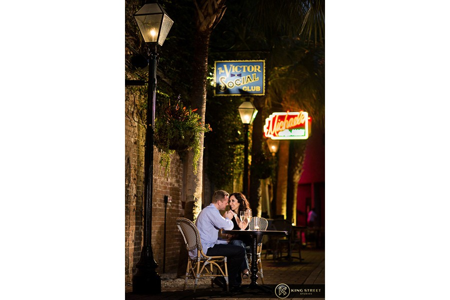 engagement pictures by charleston wedding photographers king street studios (832)