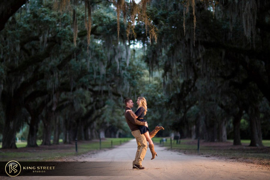 engagement pictures boone hall plantaion charleston engagement photographers king street studios (211)