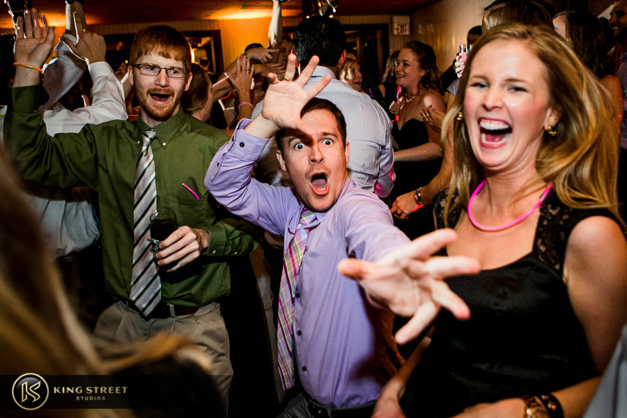 wedding reception pictures by charleston wedding photographers king street studios (510)