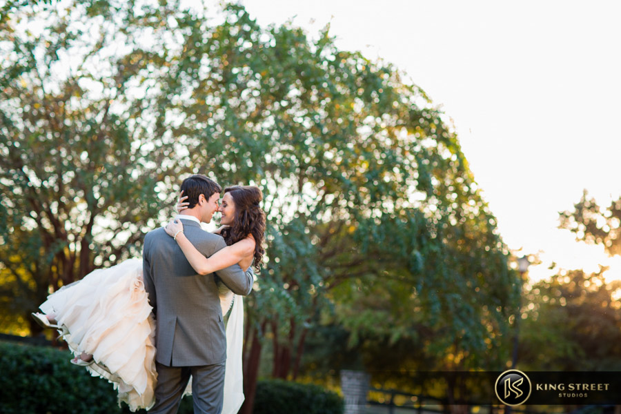 wedding pictures by best charleston wedding photographers king street studios (20)