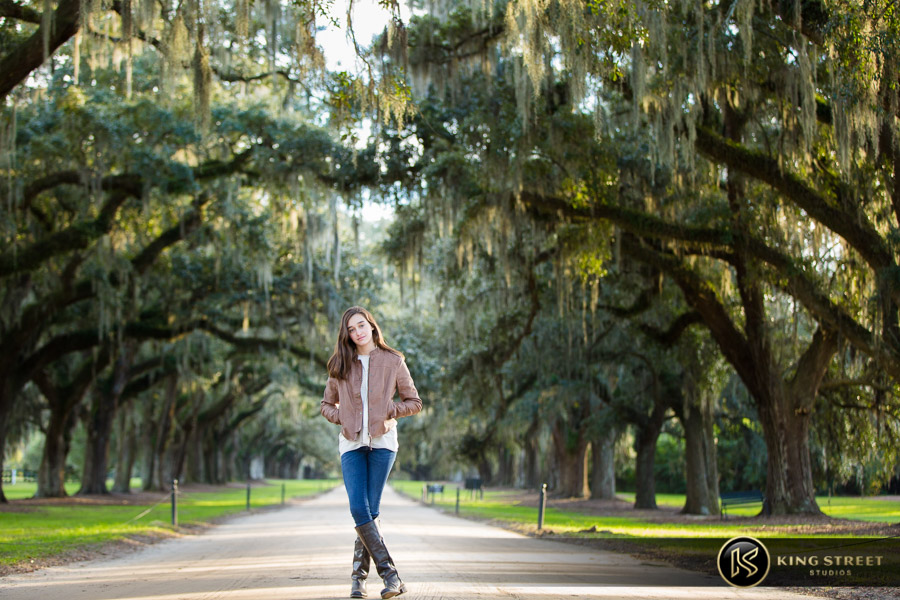 family pictures at boone hall plantation by top family portrait photographers king street studios (12)