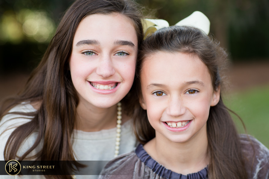 family pictures at boone hall plantation by top family portrait photographers king street studios (7)