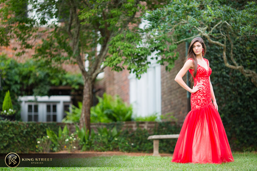 senior pictures at boone hall plantation by charleston senior portrait photographers king street studios (21)