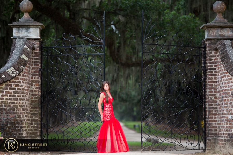 senior pictures at boone hall plantation by charleston senior portrait photographers king street studios (27)