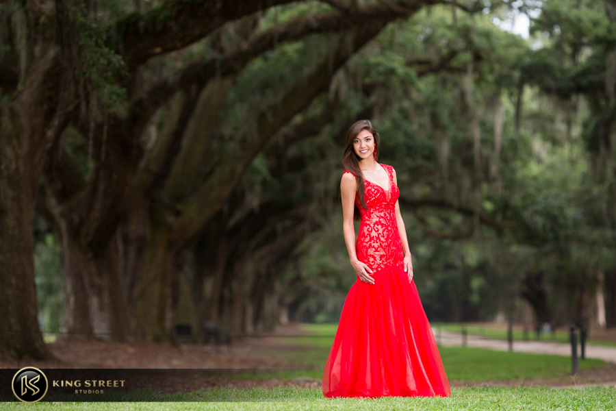 senior pictures at boone hall plantation by charleston senior portrait photographers king street studios (29)