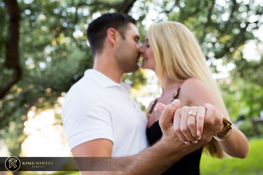 proposal-pictures-in-charleston-sc-by-charleston-engagement-photographers-king-street-studios-16